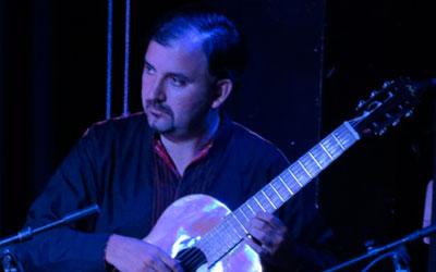 Hugo Castillo<br>PERÚ